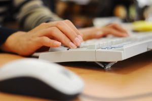 piszanie na klawiaturze